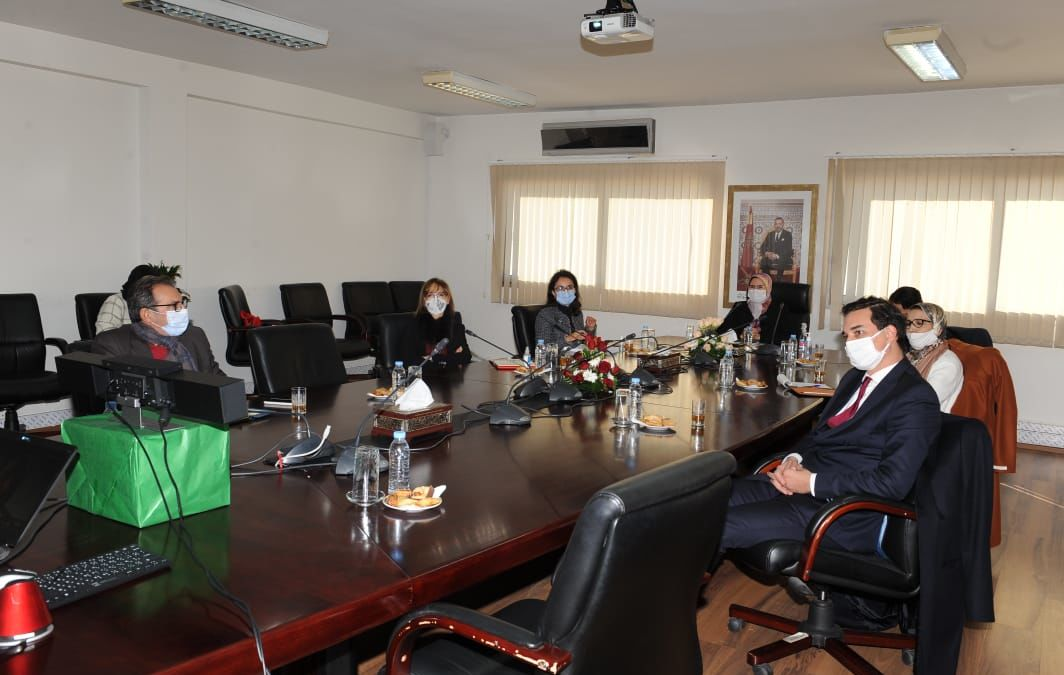 Mrs Nezha El Ouafi, Minister Delegate in charge of Moroccans Residing Abroad, and Mr. Karim Amor, President of the thirteenth region (MeM by CGEM), chaired a Working session