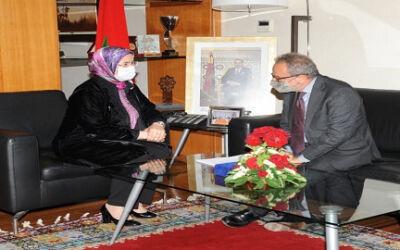 استقبلت السيدة نزهة الوفي الوزيرة المنتدبة المكلفة بالمغاربة المقيمين بالخارج  السيد Armando BARRUCCO، سفير ايطاليا بالمملكة المغربية يوم الاربعاء 05 مايو الجاري بمقر الوزارة.
